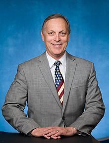 Andy_Biggs,_official_portrait,_115th_Congress